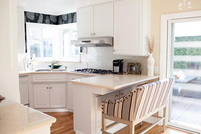 Использование тканей в оформлении маленькой кухни