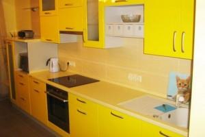 Плохой дизайн желтой кухни