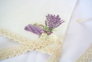 Текстильное оформление в дизайне кухонь прованского стиля