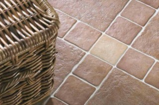 Кафельная плитка на пол для кухни – критерии подбора и варианты обустройства пола