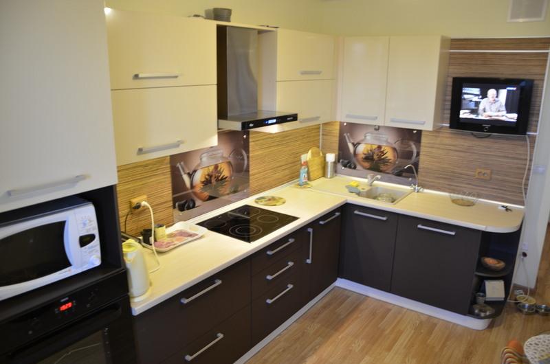 Кухня 9 квадратов интерьер фото