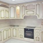 Дизайн классической кухни с патиной