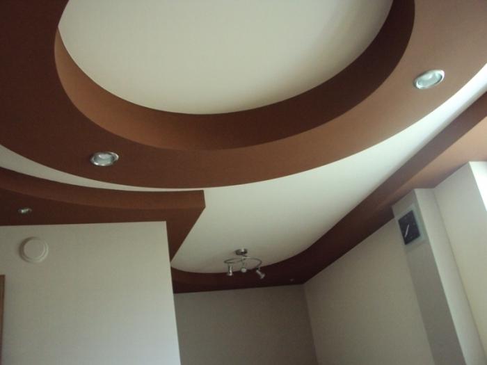Потолки из гипсокартона в зале своими руками