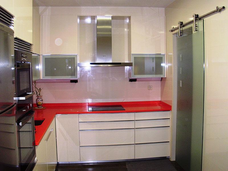 Раздвижные дверцы для кухни 42