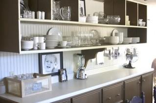 Полки на кухню – разнообразие форм и материалов
