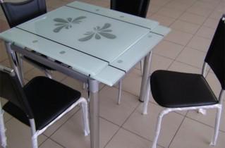 Кухонные раскладные столы разнообразной формы: фотографии, описание и цена