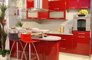 Красная кухня – мечта любой хозяйки!