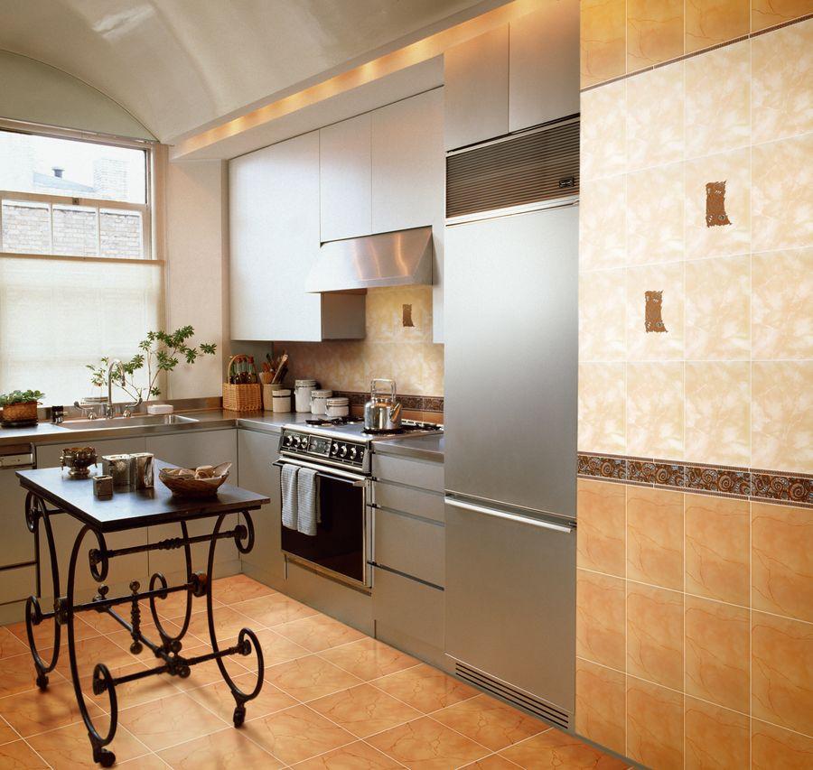 Ploščica na fotografijah na kuhinjski steni