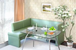 Преимущества дивана для кухни