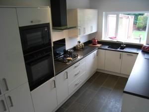 Оформление черно-белой кухни