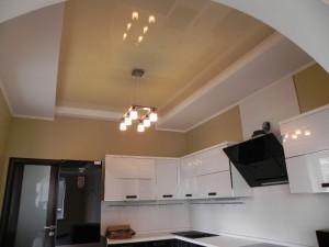 Потолочное оформление кухни 9 м