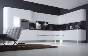 Дизайнерские решения для белой кухни