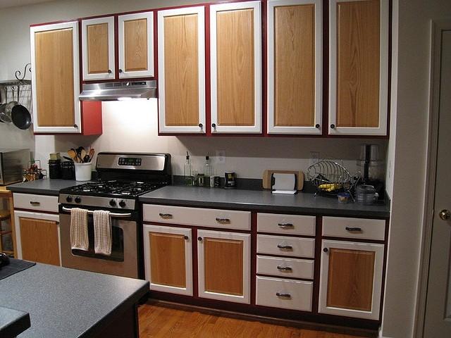 Как можно обновить кухонный гарнитур своими руками фото