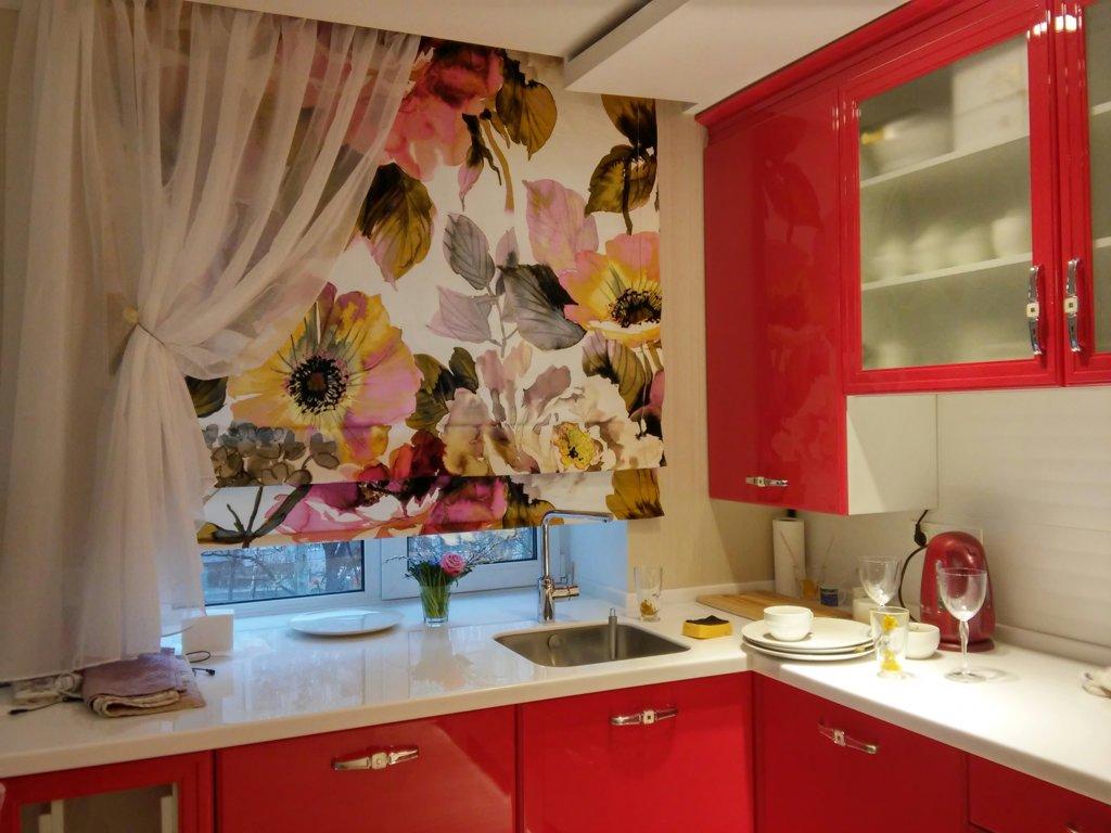 оформление окна на кухне в современном стиле фото
