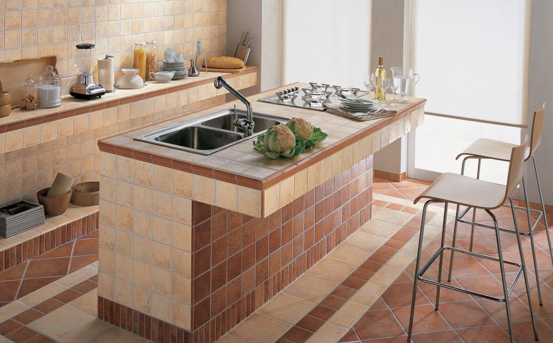 Дизайн кухни из кафеля