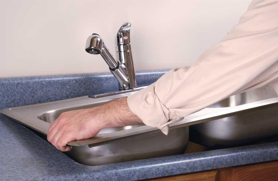 Установка раковины в столешницу на кухне своими