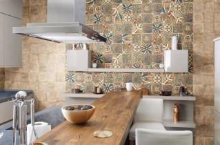 Достоинства плитки в отделке кухни