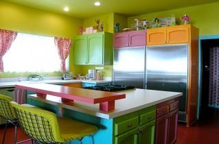 Как интересно декорировать кухню?