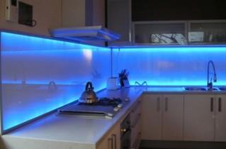 Светодиодная подсветка в кухонном пространстве