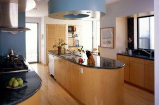 Как подобрать качественную мебель для большой кухни?