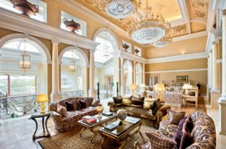 Купівля антикварних меблів в будинок