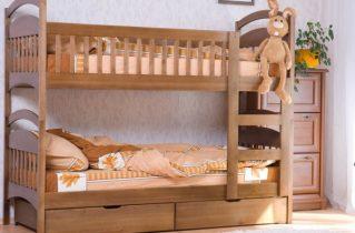 Ліжко для дитини. Переваги дерев'яних ліжок.