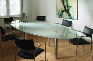 Правила выбора стеклянного стола