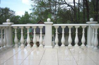 Наличники фигурные и балясины из бетона: преимущества