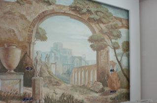 Картины и роспись стен живописью в интерьере