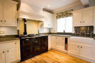 Обновление и ремонт кухонных фасадов