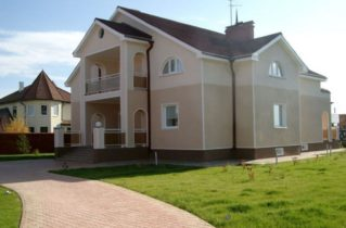 Будівництво будинку: довірте роботу професіоналам