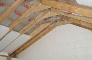 Використання пінопласту як засіб теплоізоляції даху