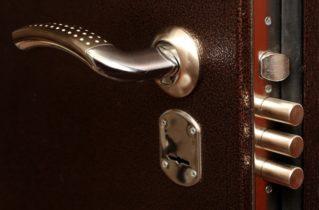 Вибір замка для сталевих дверей
