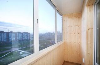 Застекление балкона от компании «WinOk»