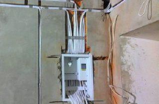 Електрика своїми руками — економимо на головному