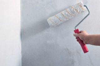 Грунтовка стін перед штукатуркою — навіщо вона потрібна?